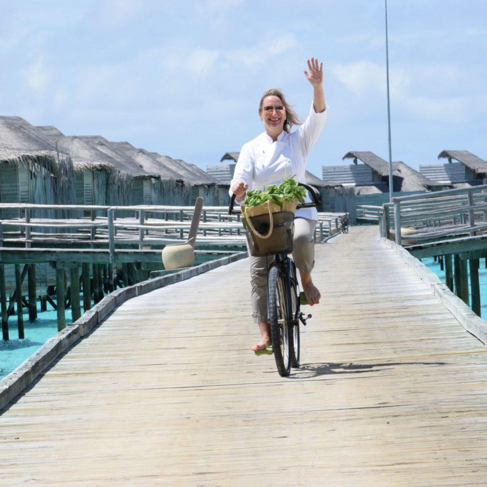 chef-sam-gowing-sixsenses-maldives-bike