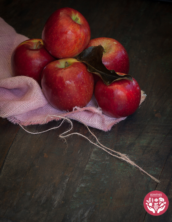 Apples-Sam-and-Nelly-FHW